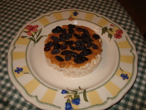 Rice Cake with Peanut Butter and Raisins